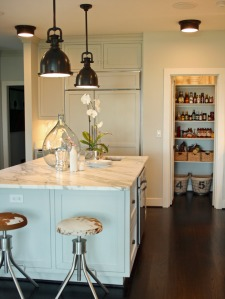 DP_Joel-Snayd-white-country-kitchen-island_s3x4_lg